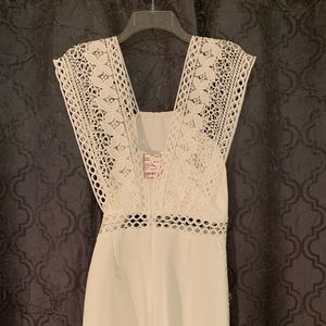 do & be Dresses - Size medium white romper!